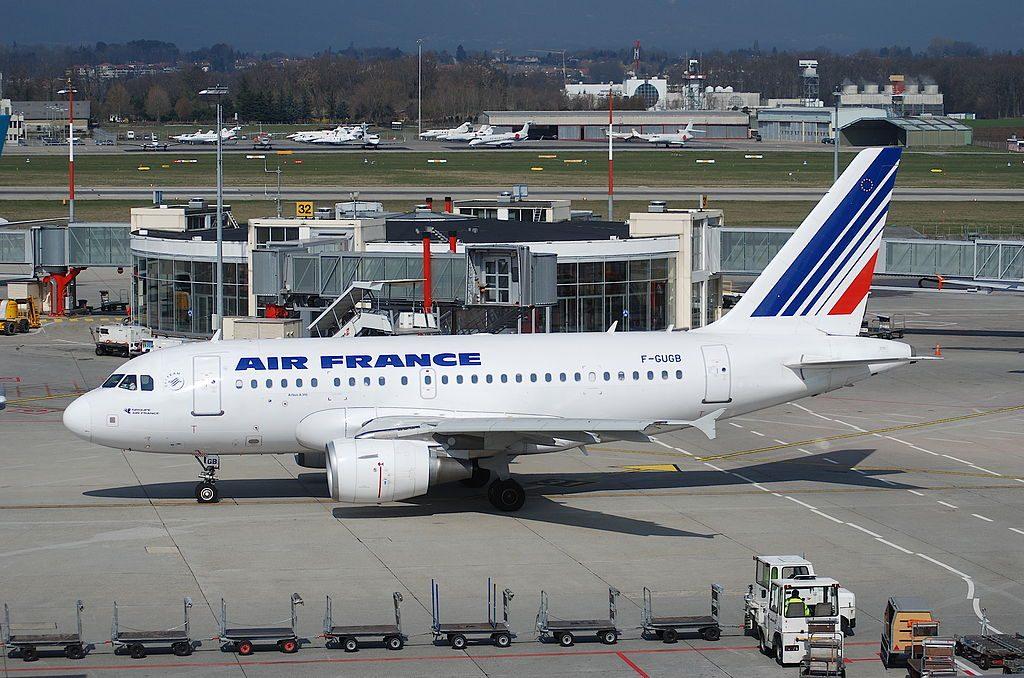Air France Airbus A318 111 F GUGB at Geneva International Airport
