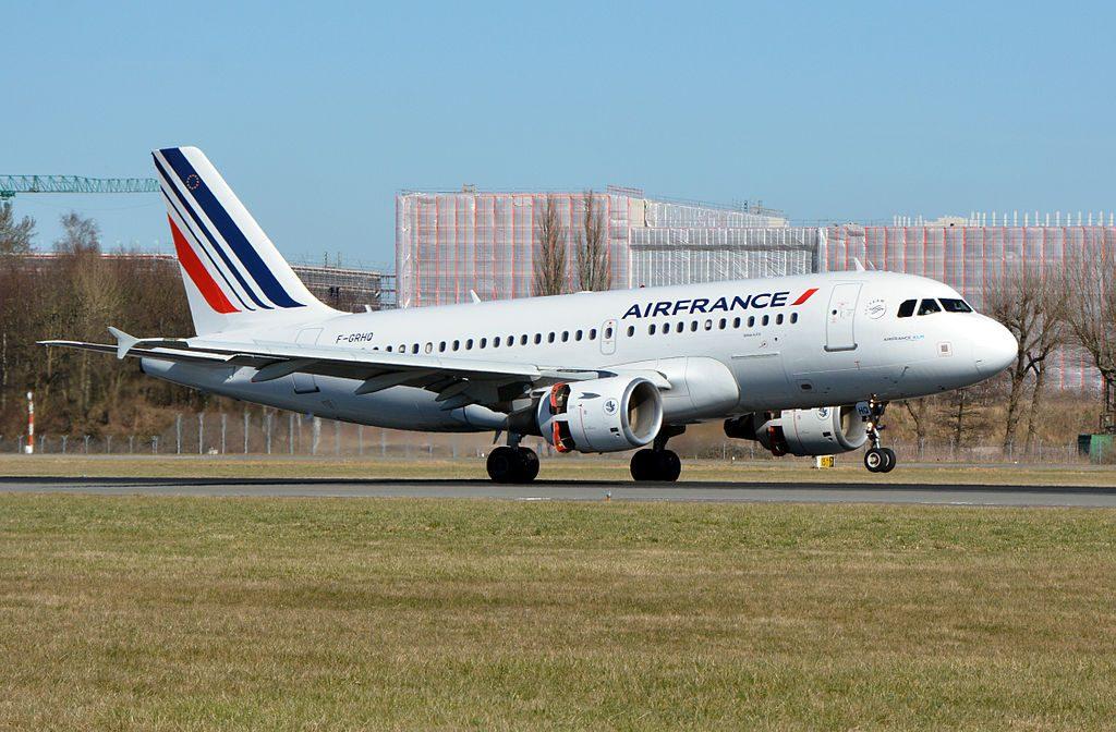 Air France Airbus A319 111 F GRHQ landing at Hamburg Airport