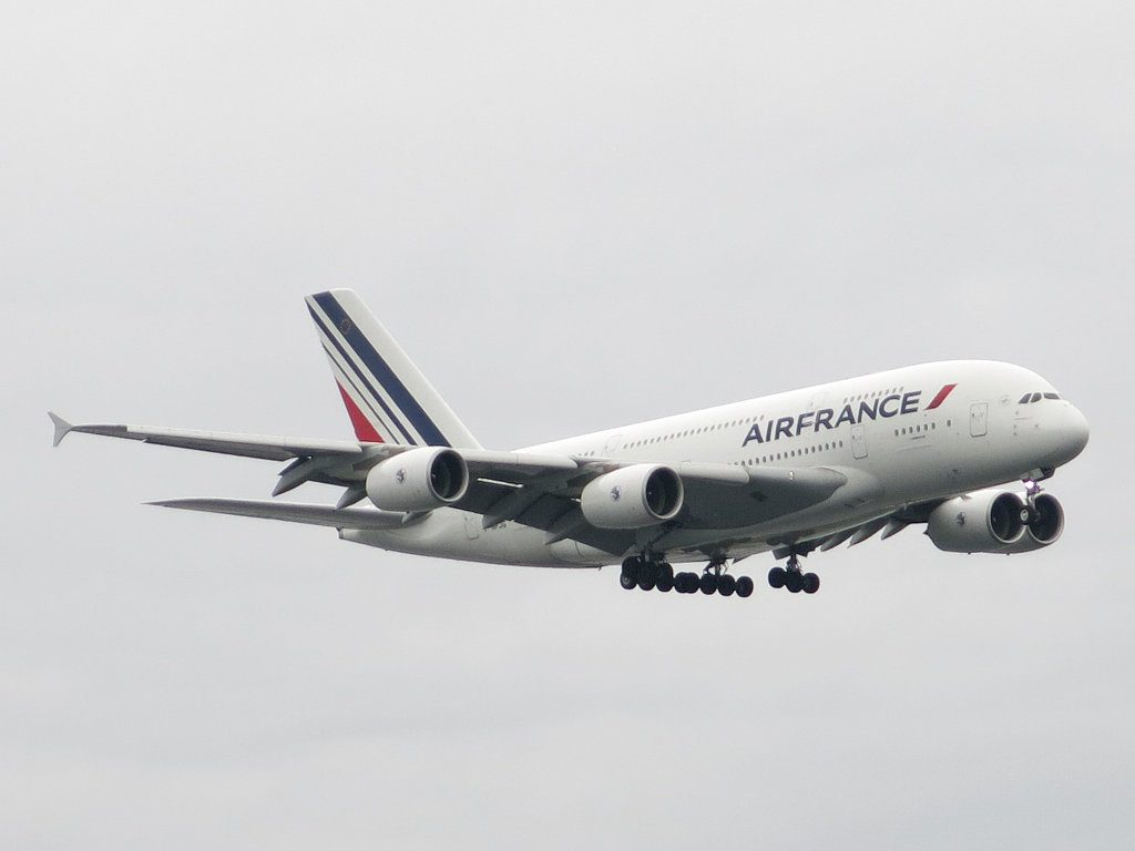 Air France Airbus A380 861 F HPJG approaches John F. Kennedy International Airport