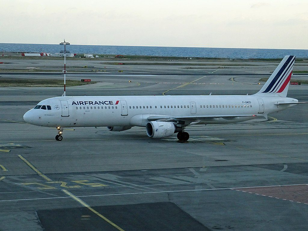 Air France F GMZD Airbus A321 100 at Nice Côte dAzur Airport