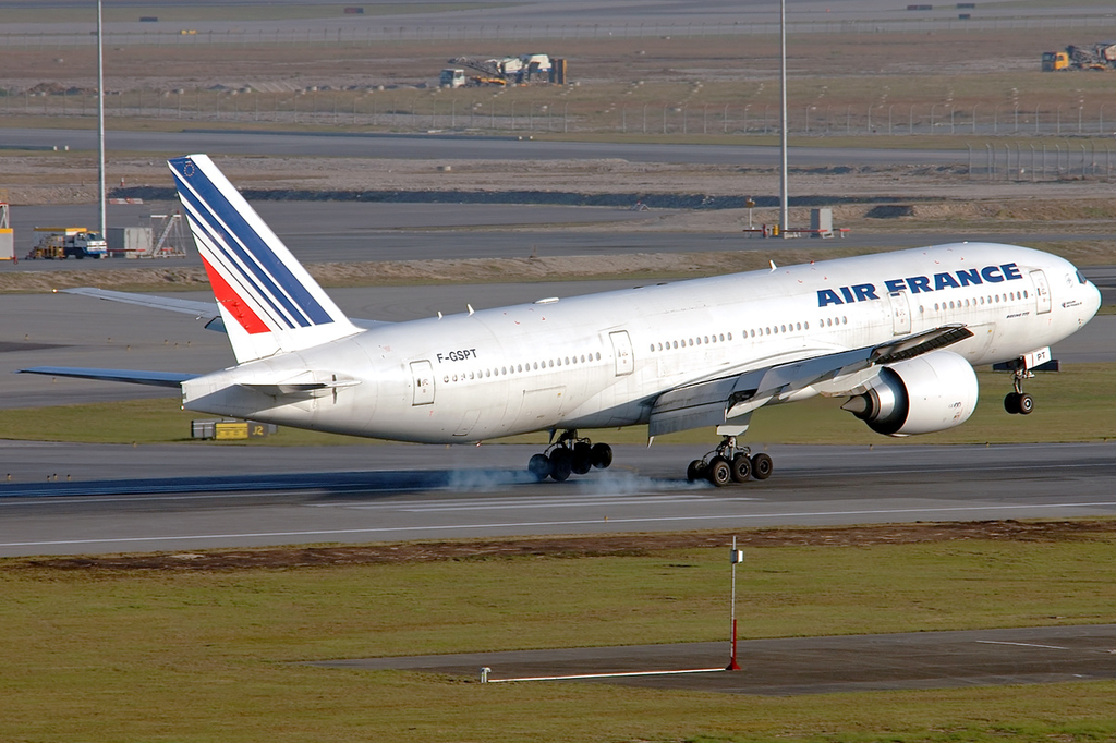 Air France F GSPT Boeing 777 228ER lands at Chek Lap Kok International Airport
