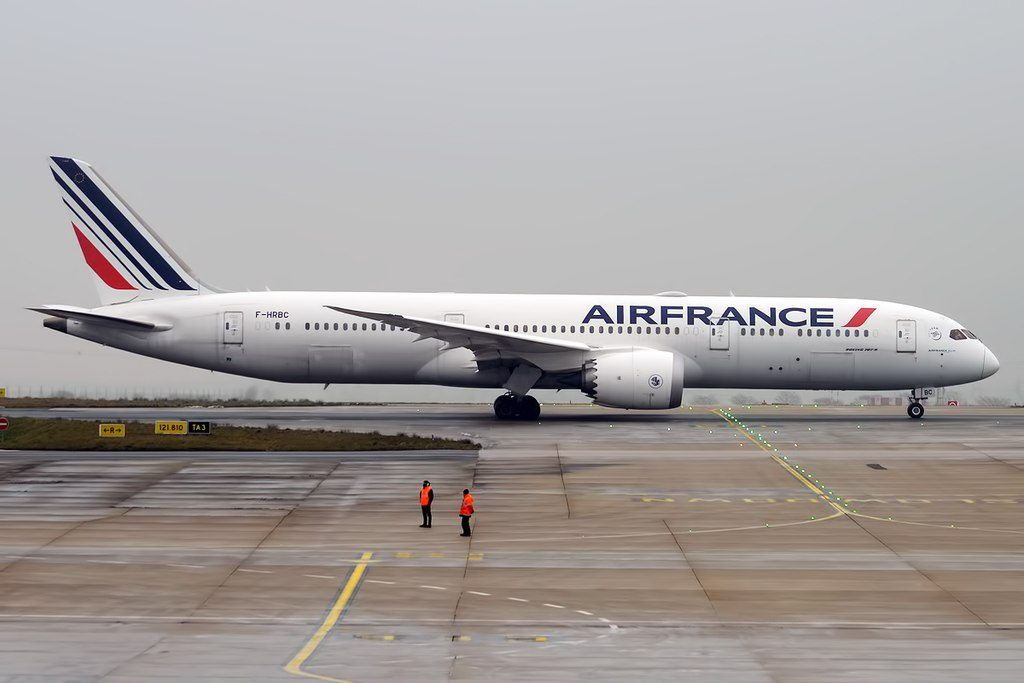 Air France F HRBC Boeing 787 9 Dreamliner taxiing at Paris Charles de Gaulle Airport