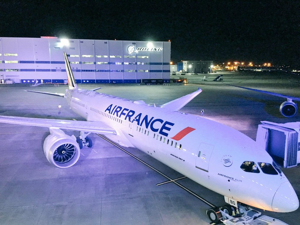 Air France F HRBG Boeing 787 9 Dreamliner parking at CDG airport