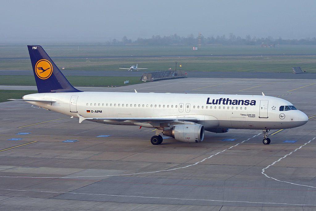 Airbus A320 200 D AIPM Troisdorf Lufthansa aircraft at Bremen Airport