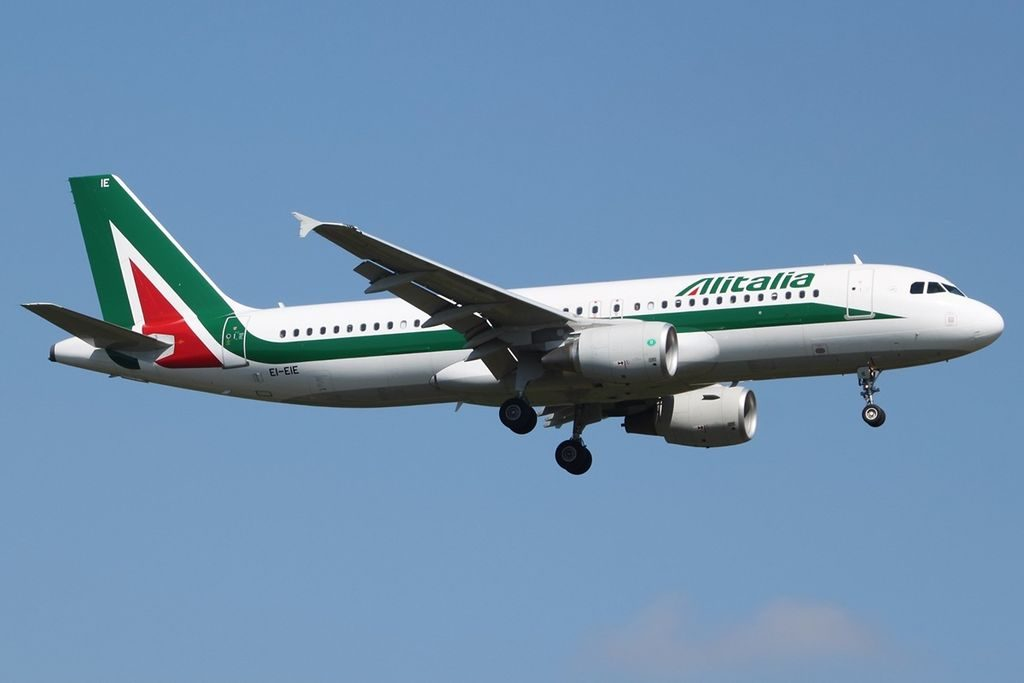 Airbus A320 216 Alitalia EI EIE Carlo Goldoni at FRA Frankfurt Rhein Main