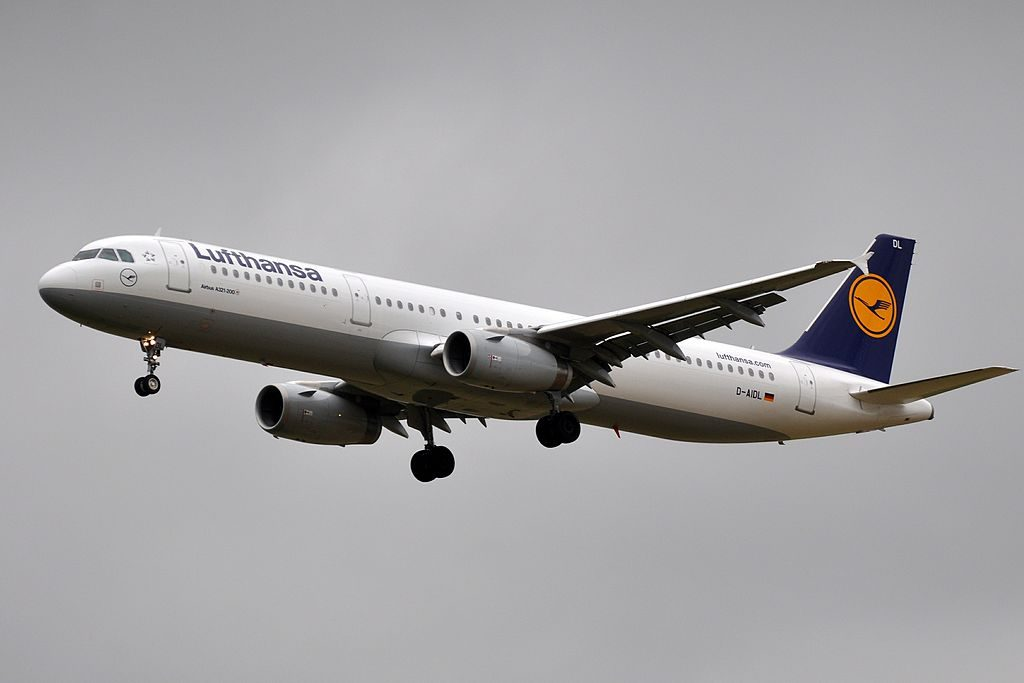 Airbus A321 231 Lufthansa D AIDL Reutlingen at Paris Charles de Gaulle Airport