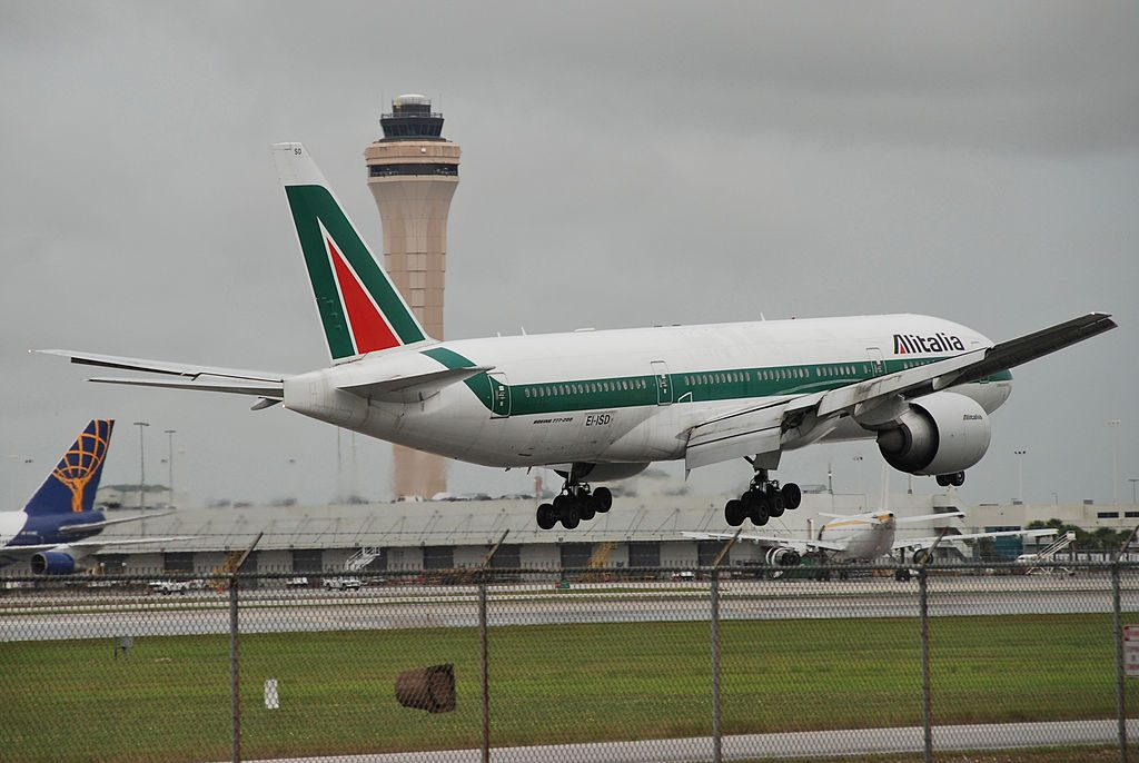 Alitalia Boeing 777 243ER EI ISD landing at Miami International Airport