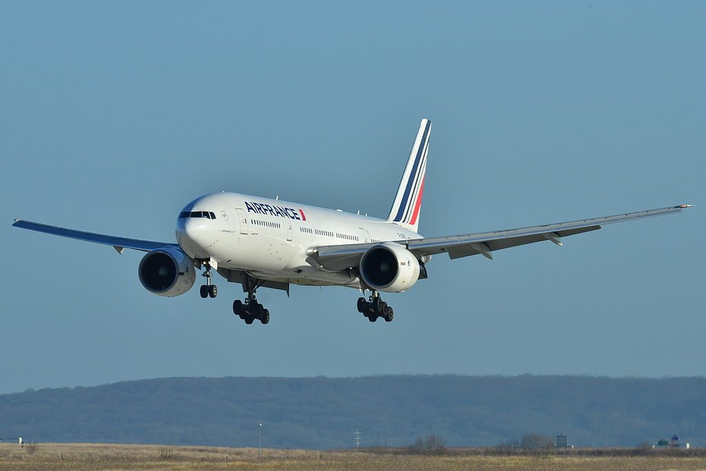 Boeing 777 200ER Air France F GSPU landing at Paris Charles de Gaulle Airport