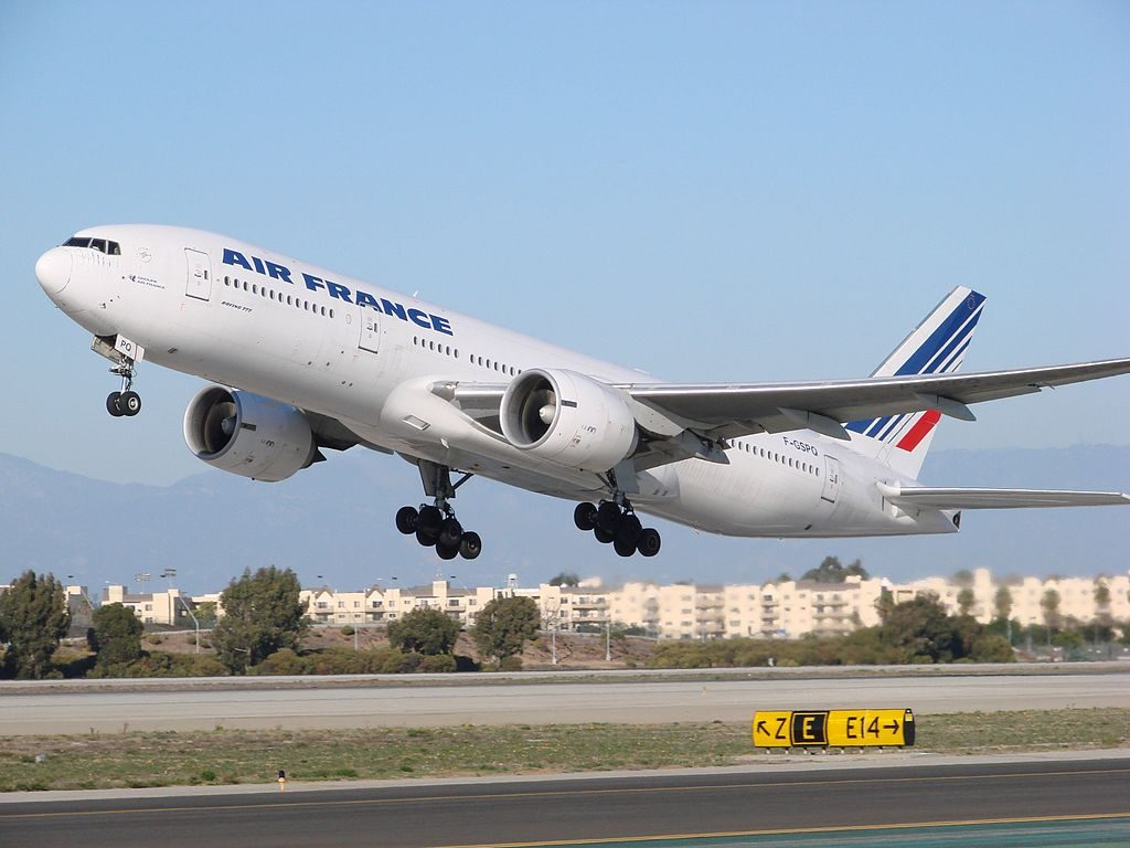 Boeing 777 200ER F GSPQ Air France departure RWY 25L LAX