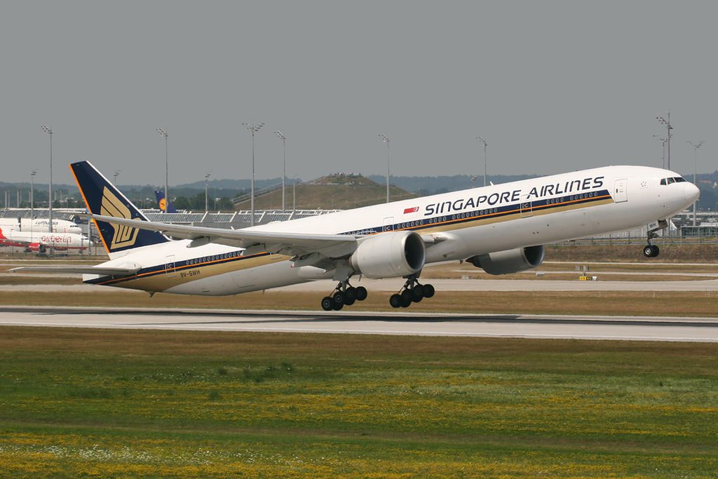 Boeing 777 312ER Singapore Airlines 9V SWH at Munich Airport