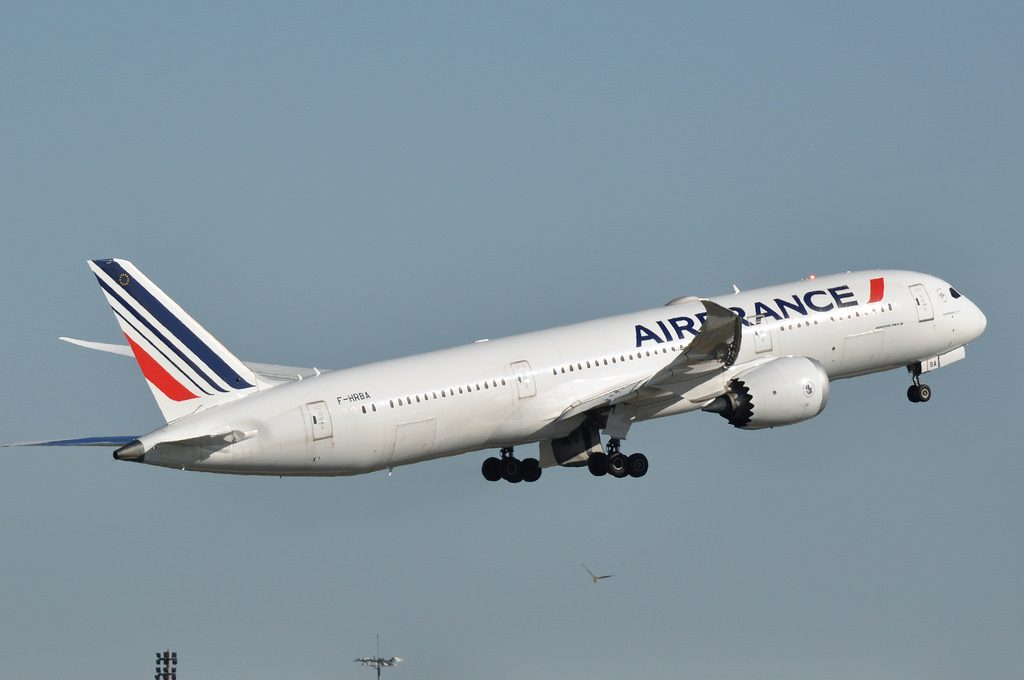 Boeing 787 9 Dreamliner F HRBA Air France departing CDG