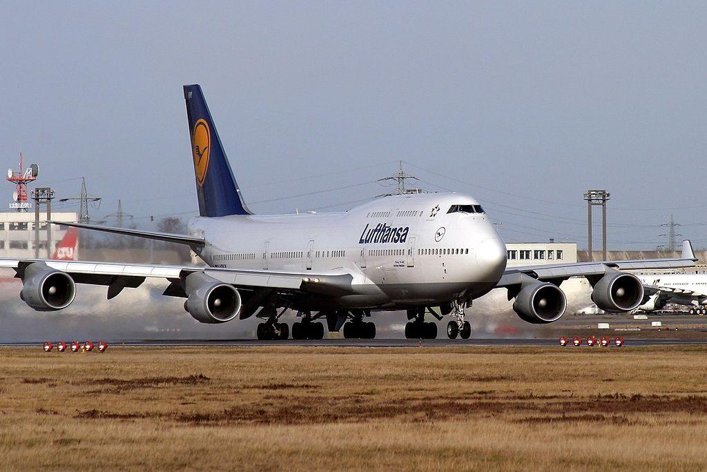 D ABVY Boeing 747 430 Lufthansa take off at Frankfurt am Main