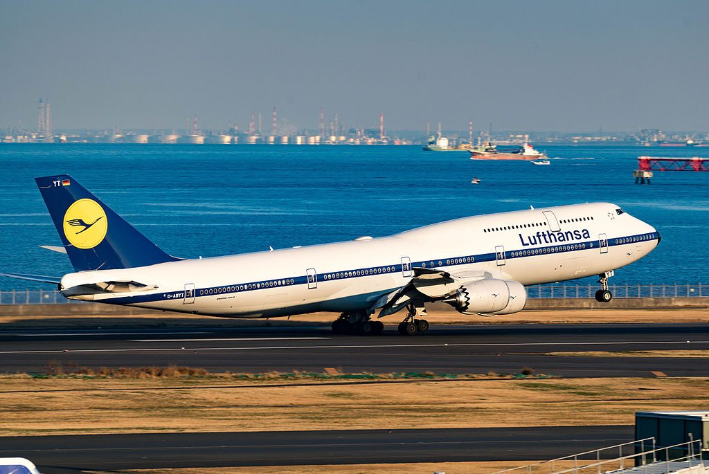 D ABYT Lufthansa Boeing 747 8 on Retro livery at Tokyo Haneda