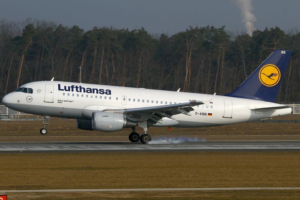 D AIBB Airbus A319 112 Aalen Lufthansa at Frankfurt Airport