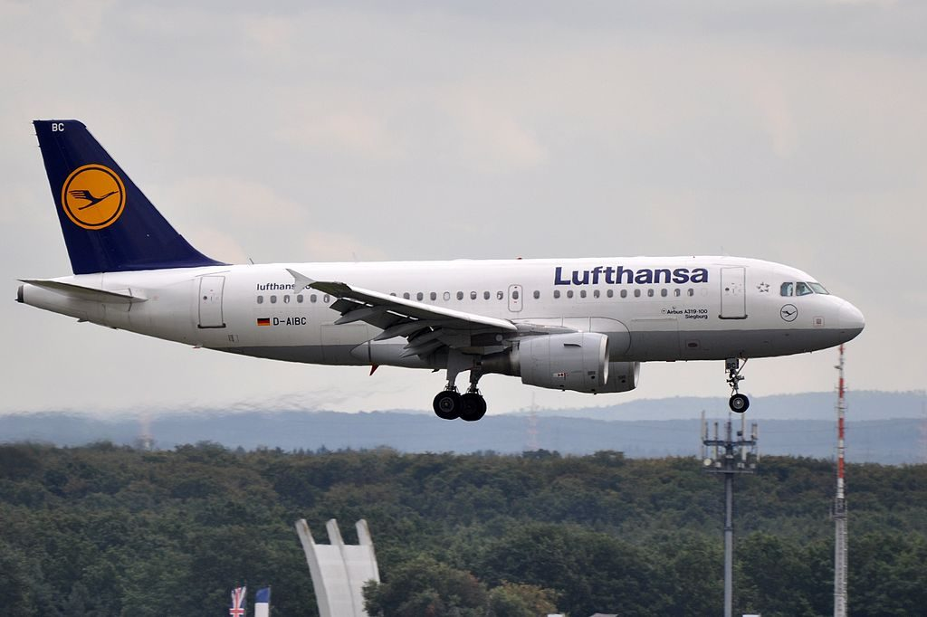 D AIBC Airbus A319 100 Siegburg of Lufthansa at Frankfurt Airport
