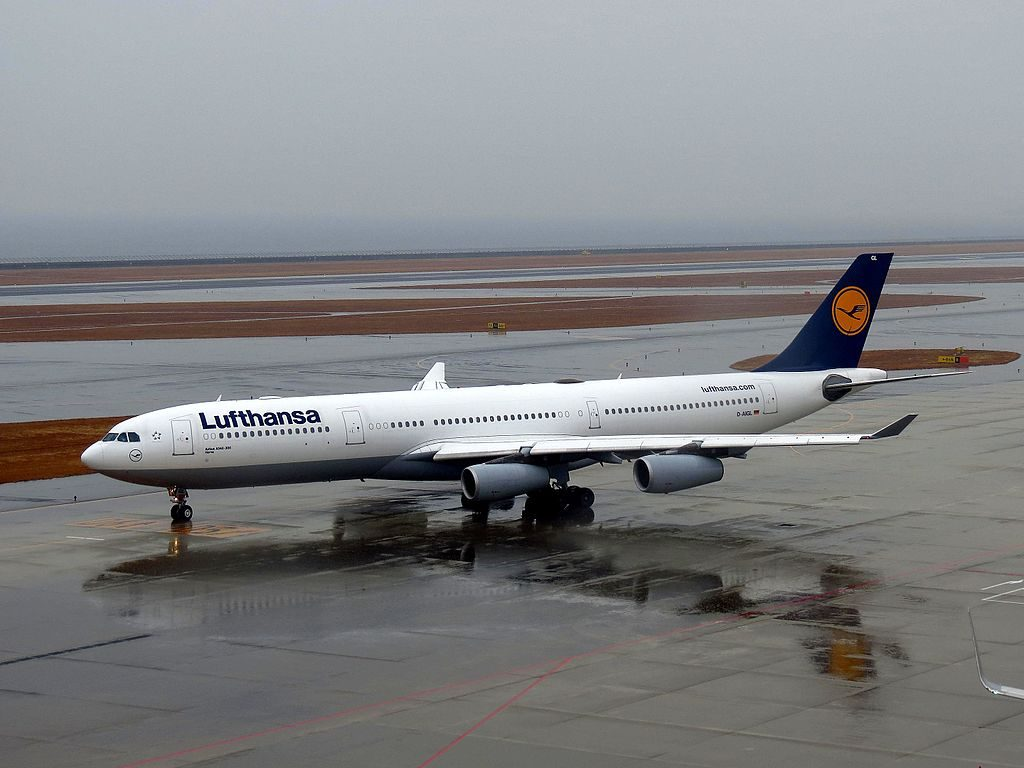 D AIGL Lufthansa Airbus A340 300 Herne at Chūbu Centrair International Airport