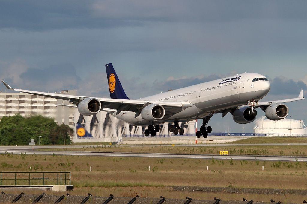 D AIHH Airbus A340 642 Lufthansa Wiesbaden at Frankfurt Airport