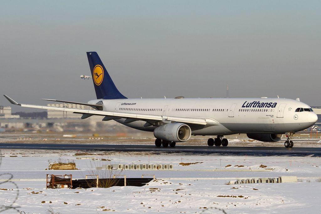 D AIKF Airbus A330 343X Witten Lufthansa at Frankfurt am Main