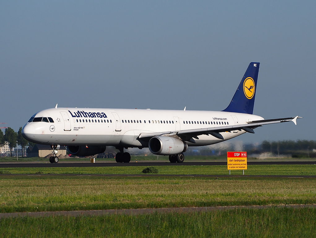 D AIRC Lufthansa Airbus A321 131 Erlangen take off from Schiphol Amsterdam