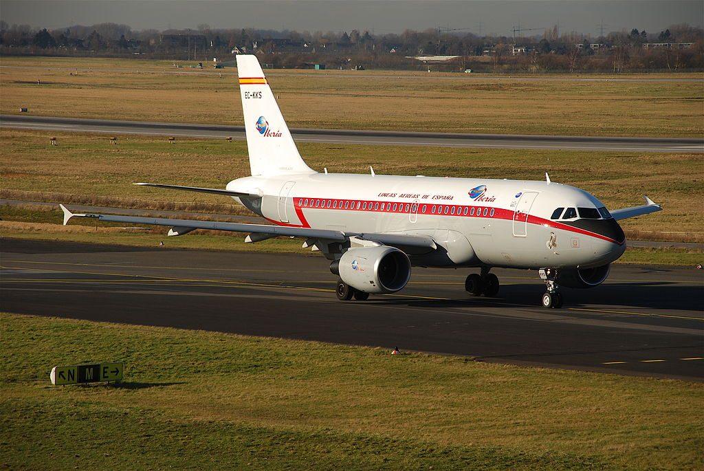 EC KKS Airbus A319 100 Halcón Peregrino of Iberia at Düsseldorf Airport