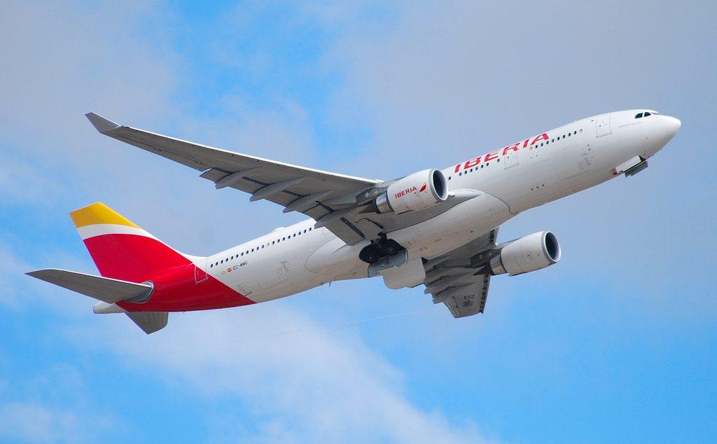 EC MMG Airbus A330 203 Iberia Santiago de Chile