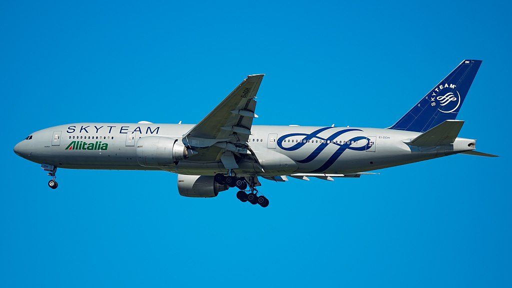 EI DDH Boeing 777 200ER of Alitalia SKYTEAM Livery at John F. Kennedy International Airport