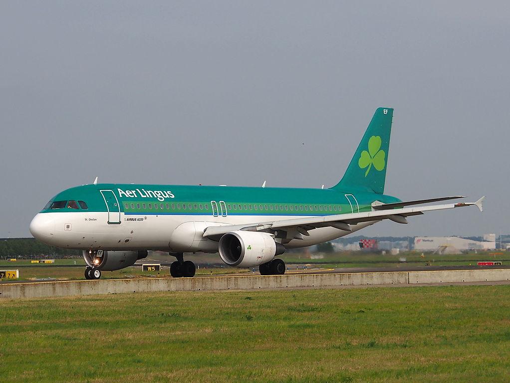 EI DEF Airbus A320 214 Aer Lingus St Declan Deaglan taxiing at Amsterdam Airport Schiphol