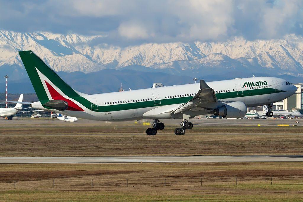 EI DIP Airbus A330 202 Alitalia Gian Lorenzo Bernini landing at Milan Malpensa Airport