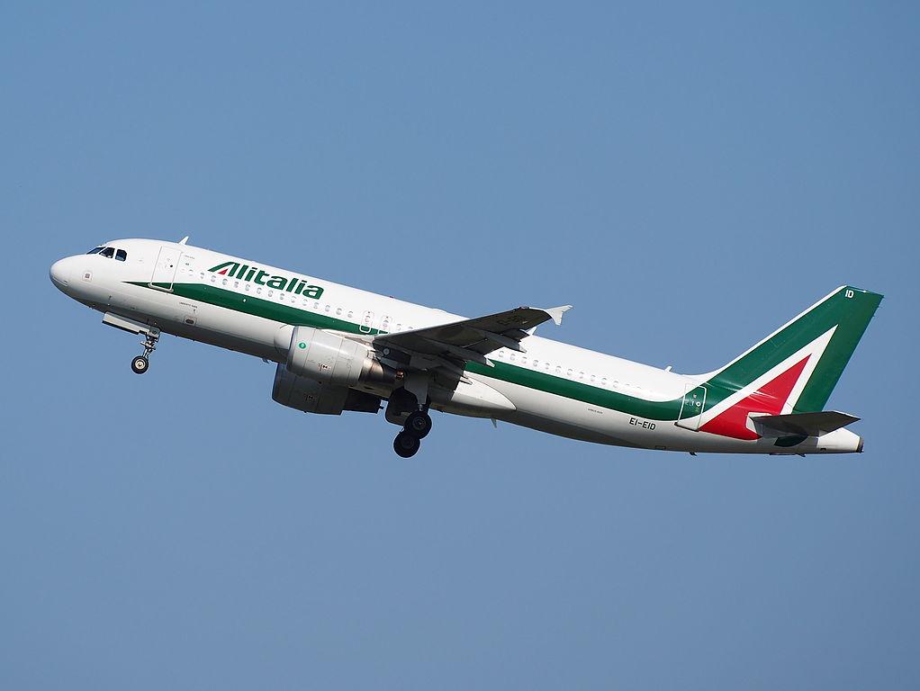 EI EID Alitalia Airbus A320 200 Umberto Saba takeoff from Schiphol AMS EHAM