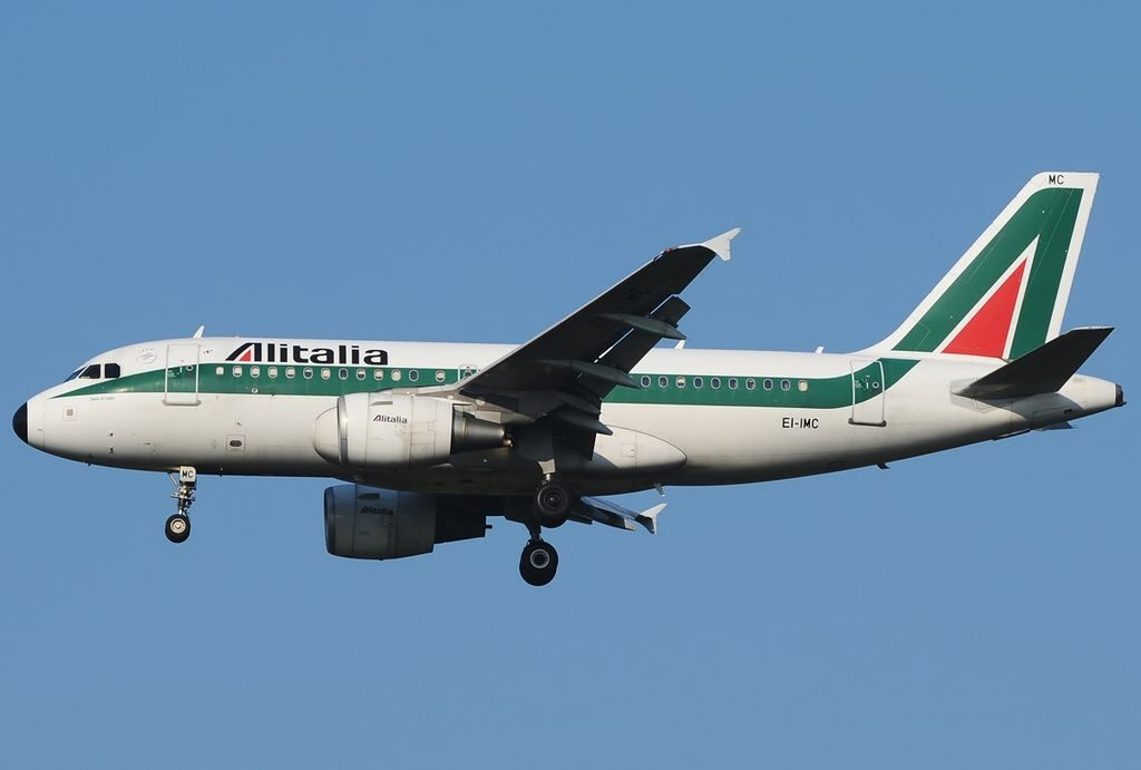 EI IMC Airbus A319 112 Alitalia Isola di Lipari at Roma Leonardo da Vinci Fiumicino
