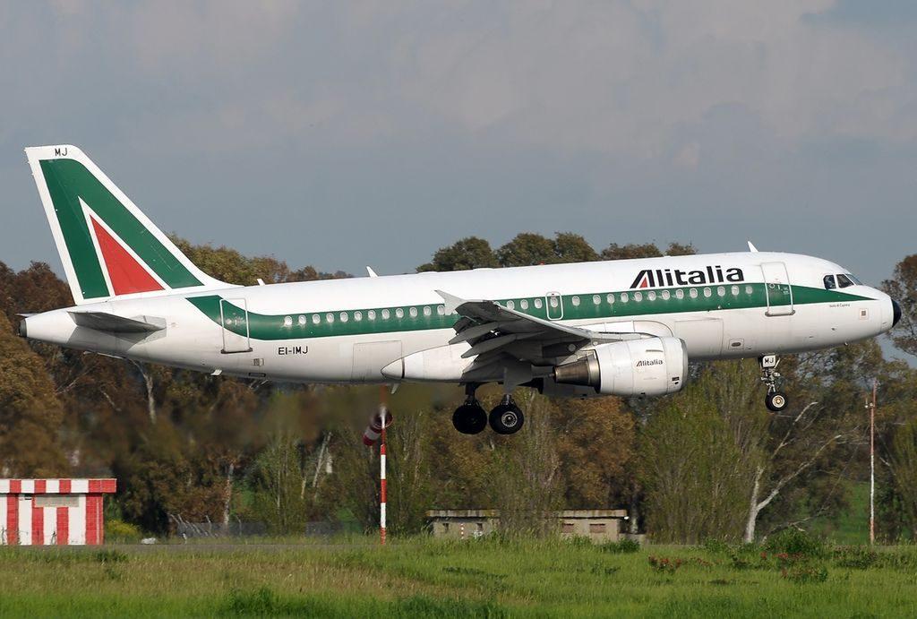 EI IMJ Airbus A319 112 Alitalia Isola di Caprera