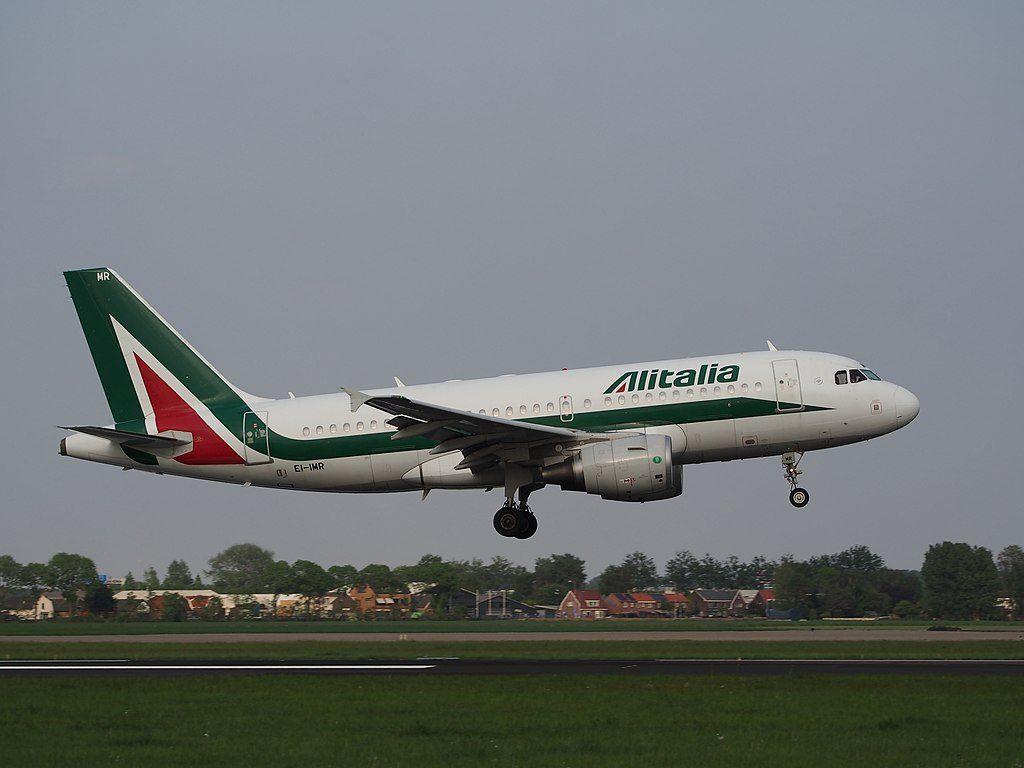 EI IMR Alitalia Italo Calvino Airbus A319 111 landing at Schiphol