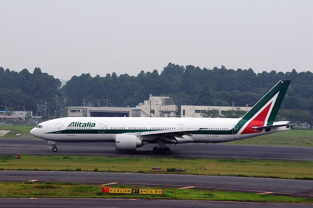 EI ISB Alitalia Boeing 777 243ER at Narita International Airport