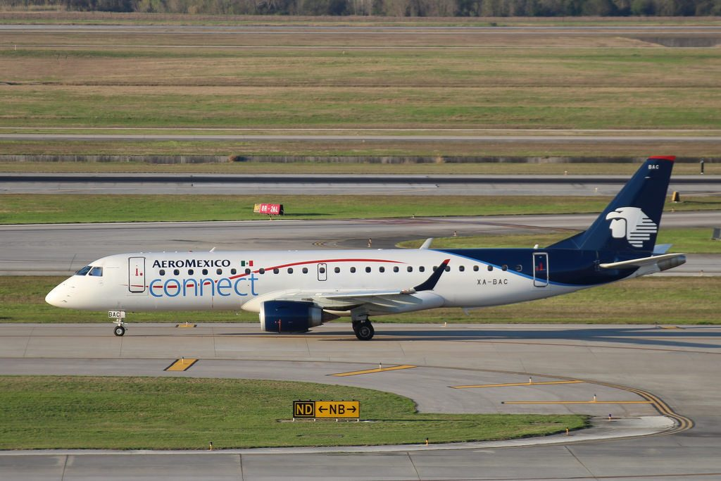Embraer ERJ 190AR XA BAC Aeromexico Connect at Houston George Bush Airport
