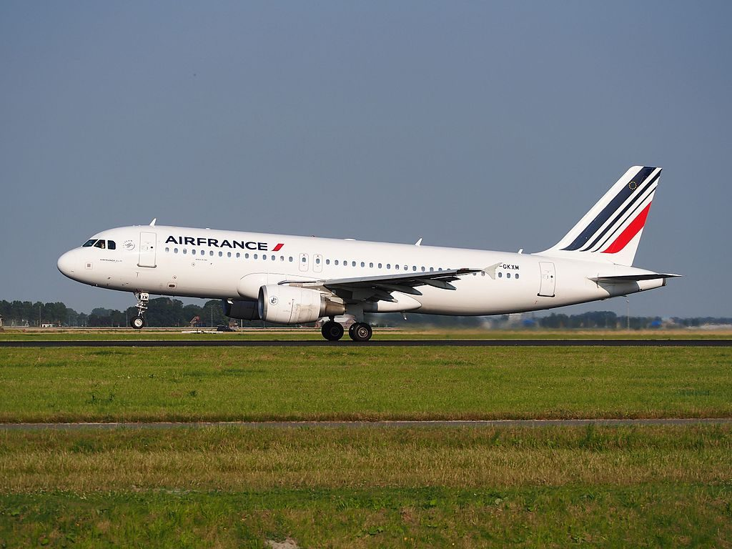 F GKXM Air France Airbus A320 214 cn 2721 takeoff from Schiphol