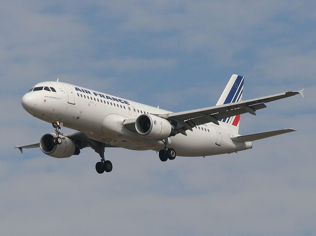 F GKXO Airbus A320 200 Air France Landing on runway 26 at Ben Gurion International Airport