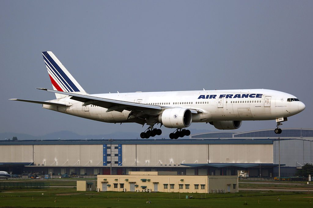 F GSPO Air France Boeing 777 228ER landing at Guangzhou Baiyun International Airport