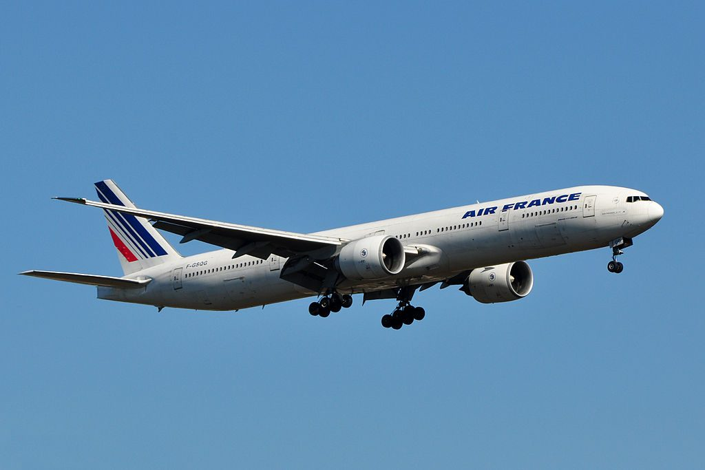 F GSQG Boeing 777 300ER of Air France at Washington Dulles International Airport