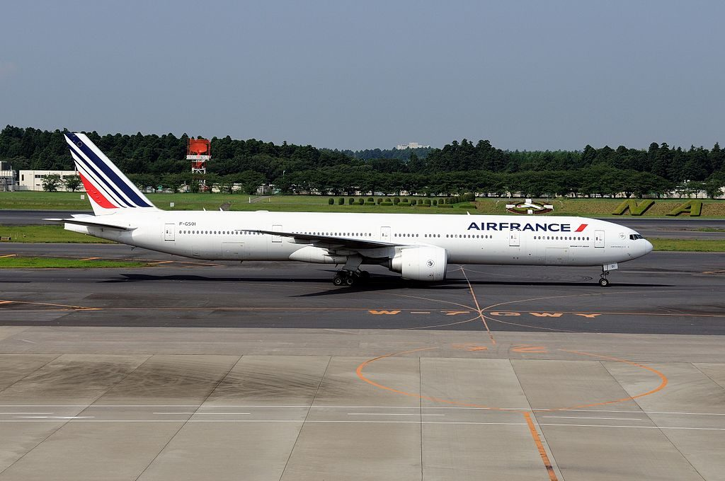 F GSQI Boeing 777 300ER of Air France at Narita International Airport