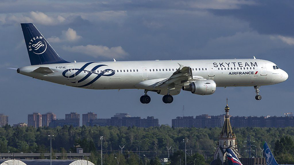 F GTAE Airbus A321 200 Air France Skyteam alliance livery landing at Sheremetyevo International Airport