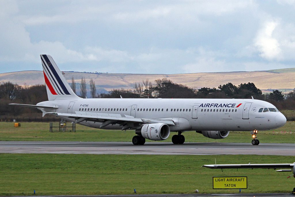 F GTAX Airbus A321 211 Air France at Manchester Airport