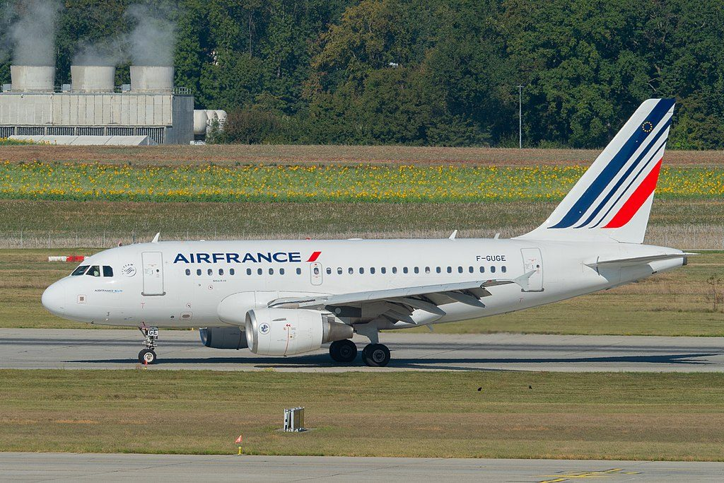 F GUGE Airbus Airbus A318 111 at Geneva International Airport