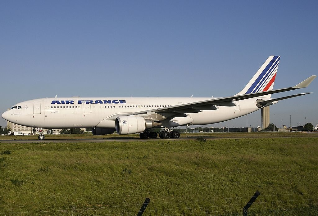 F GZCI Airbus A330 203 Air France taxiing Paris Roissy Charles de Gaulle LFPG