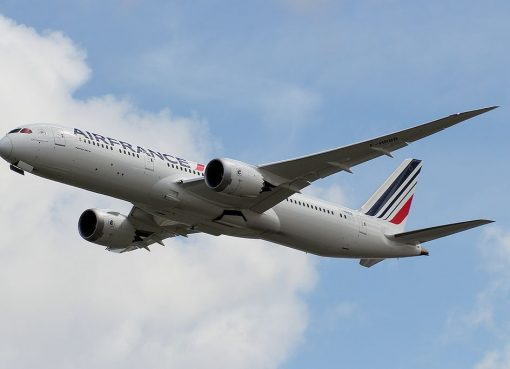 F HRBB Boeing 787 9 Dreamliner of Air France on final approach at London Heathrow Airport