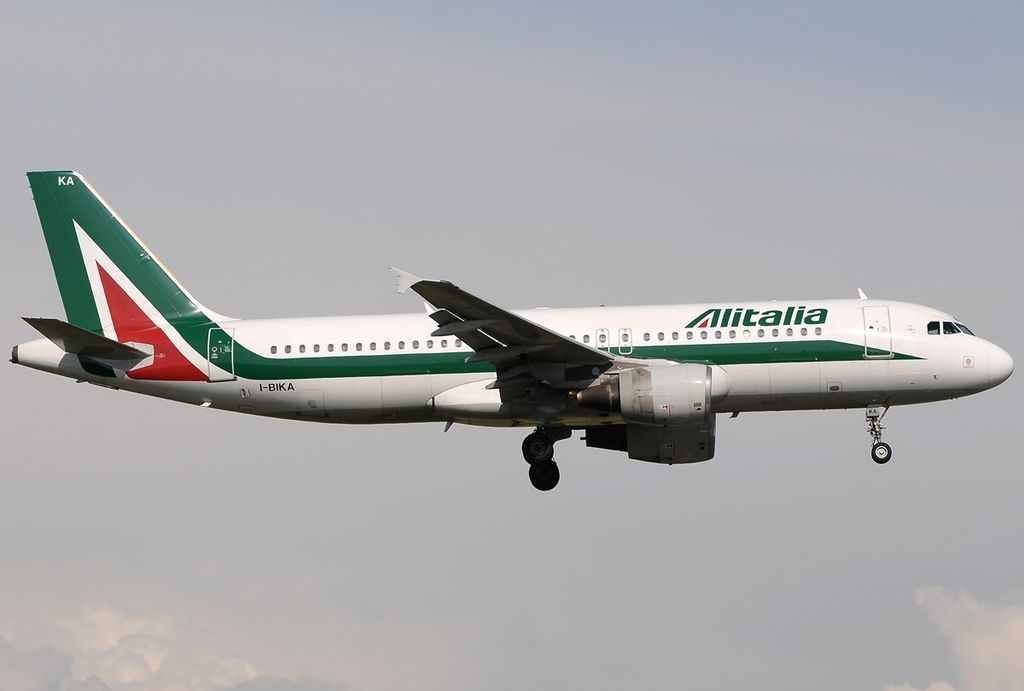 I BIKA Airbus A320 214 Alitalia Johann Sebastian BACH landing at Fiumicino Airport