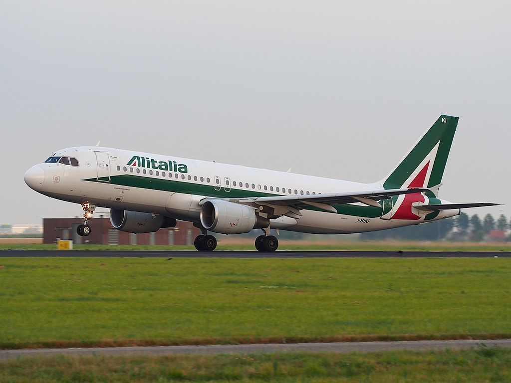 I BIKI Alitalia Airbus A320 214 cn 1138 Girolamo FRESCOBALDI takeoff from Schiphol