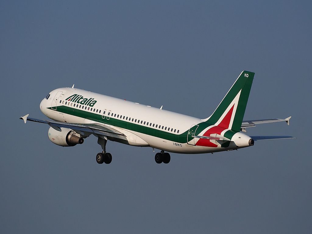 I BIKO Alitalia Airbus A320 214 cn 1168 George BIZET takeoff from Schiphol