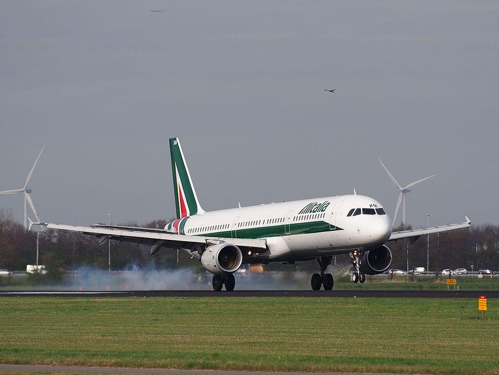 I BIXM Alitalia Piazza di San Francesco ASSISI Airbus A321 112 landing at Schiphol AMS EHAM