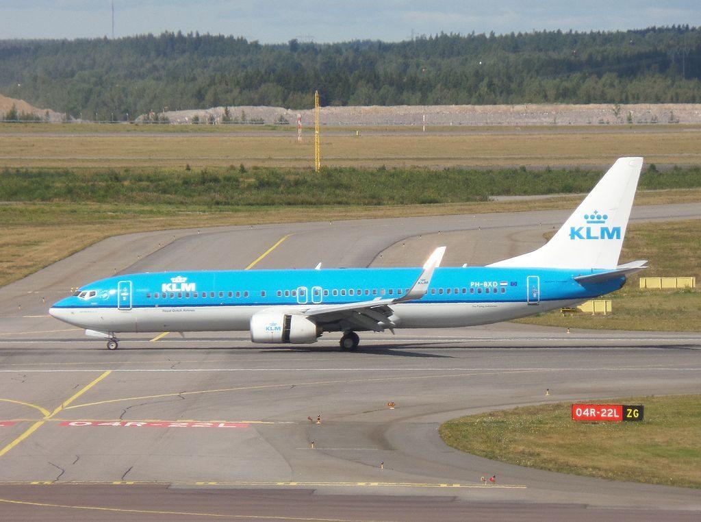 KLM Boeing 737 8K2 PH BXD Arend Eagle at Helsinki Vantaa Airport