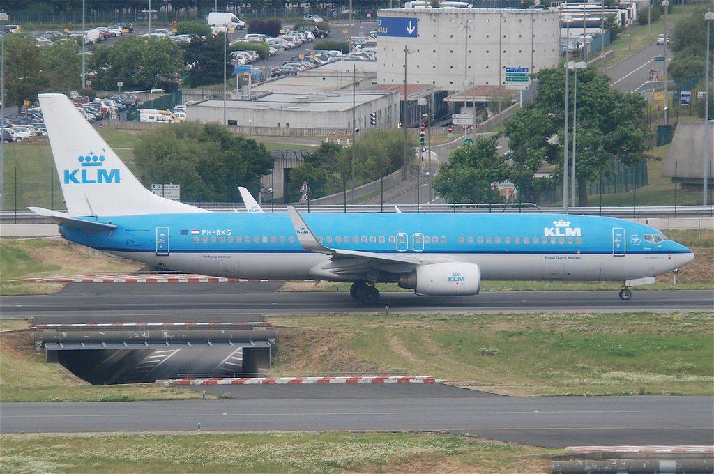 KLM Boeing 737 8K2 PH BXG Kraanvogel Crane at Paris Charles de Gaulle Airport CDG